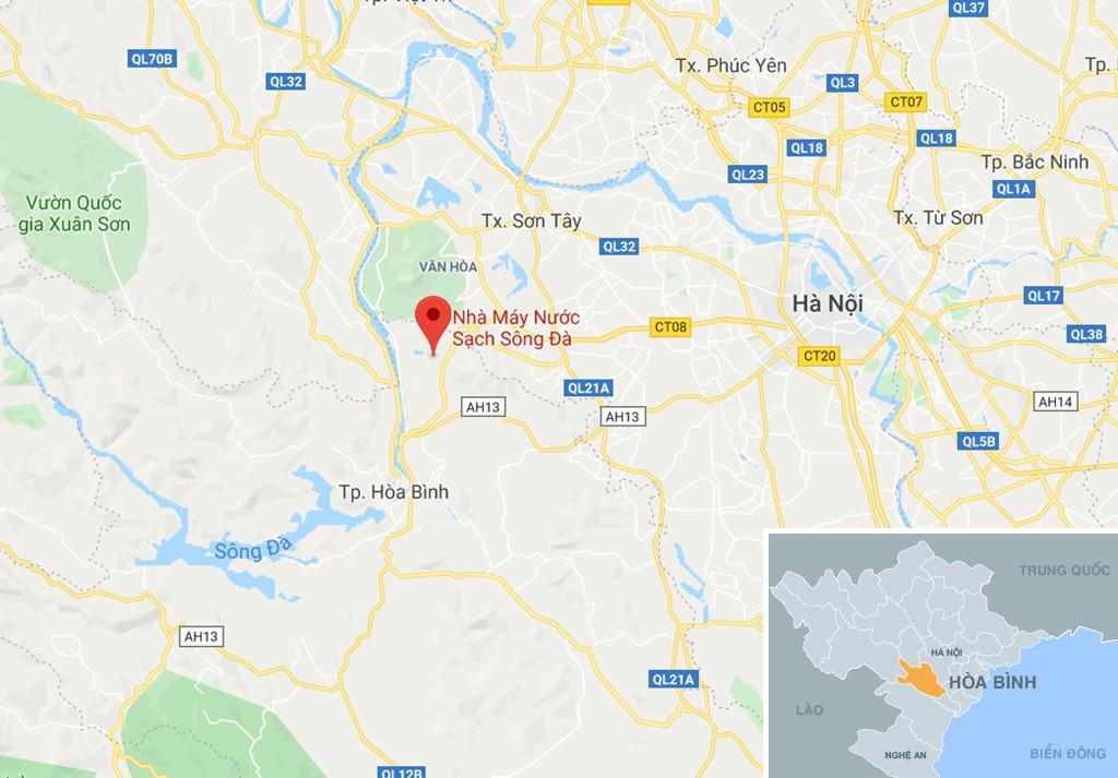 Dòng suối gần nhà máy nước sông Đà vẫn đen kịt sau 1 tuần bị đổ trộm - Ảnh 12.