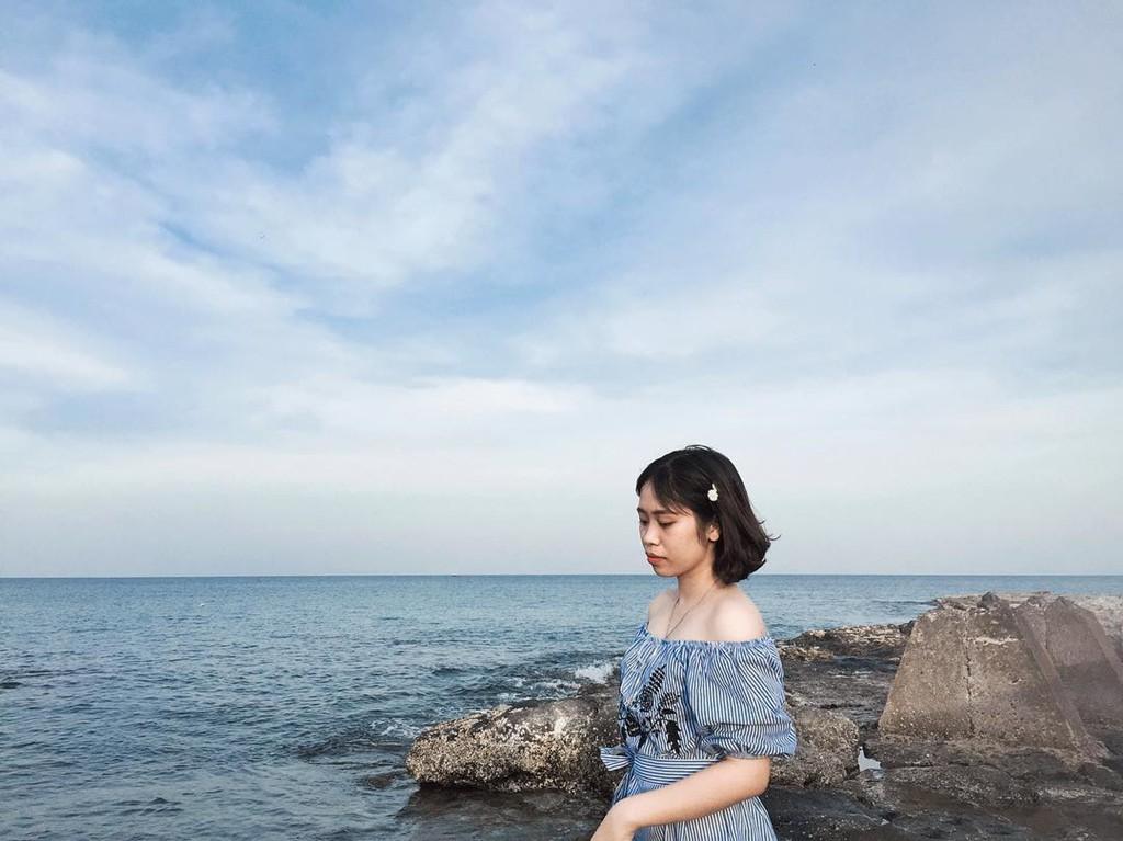 Biển Cửa Tùng đẹp hoang sơ hút giới trẻ đến Quảng Trị - Ảnh 2.