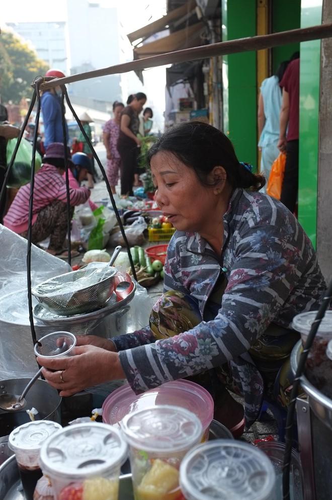 Gánh tàu hũ 30 năm của người mẹ xứ Quảng giữa Sài Gòn: Không ngon, con sẽ khổ - Ảnh 11.
