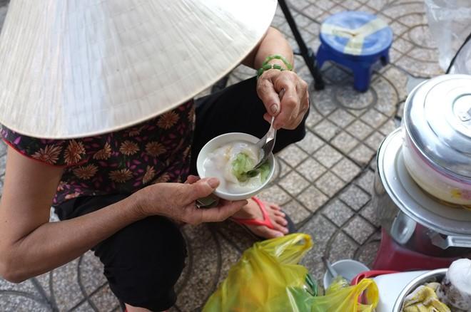Gánh tàu hũ 30 năm của người mẹ xứ Quảng giữa Sài Gòn: Không ngon, con sẽ khổ - Ảnh 6.