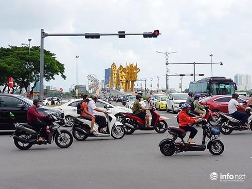 Đà Nẵng: Đã chọn phương án tổ chức lại nút giao thông phía Tây cầu Rồng - Ảnh 1.