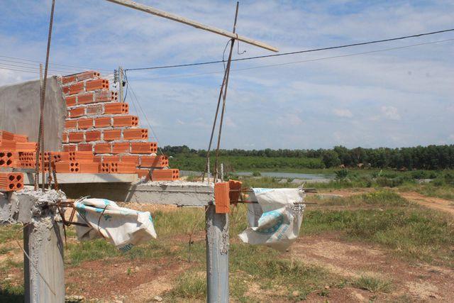 Trại heo 'khủng' đang thành hình gần nguồn cấp nước sạch cho TP HCM và Đồng Nai - Ảnh 2.