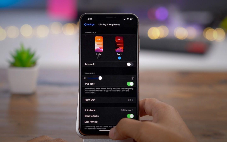 Chế độ tối Dark Mode có thực sự giúp iPhone tiết kiệm pin?