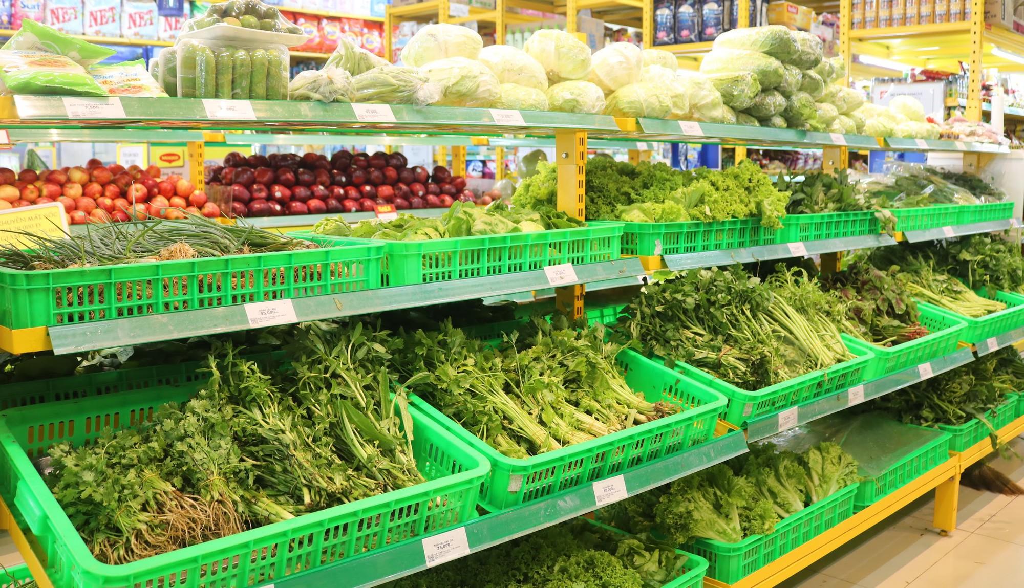 'Đột nhập' vùng trồng rau miền Tây tươi mướt như ở Đà Lạt cung cấp cho Bách Hóa Xanh - Ảnh 8.