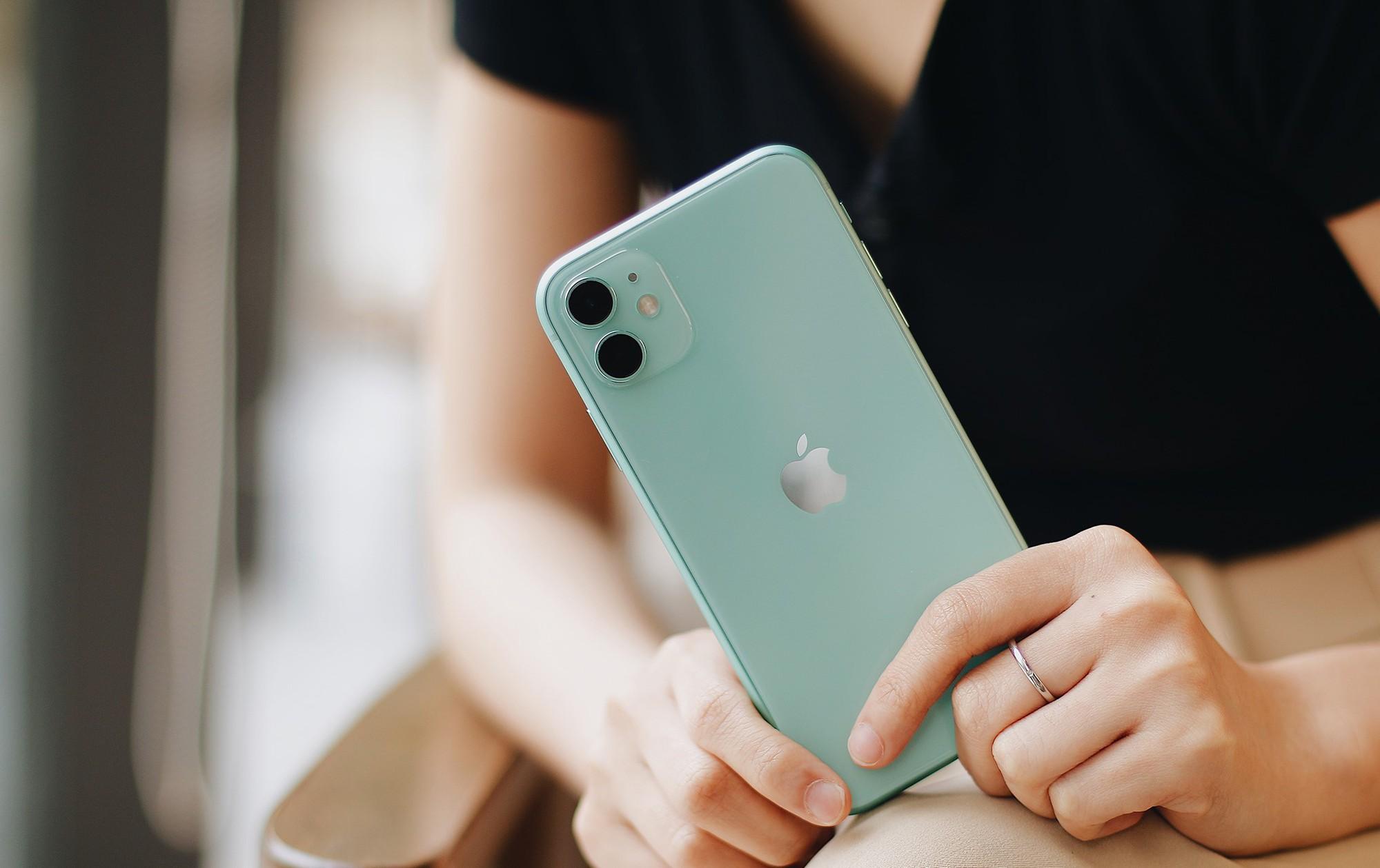 iphone-11-chinh-hang-nhan-luong-dat-hang-khung-3