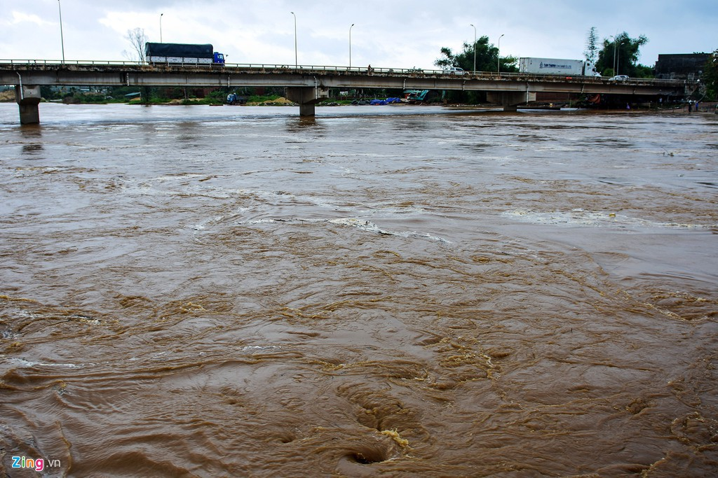 Xác xơ sau bão, Bình Định ban bố tình trạng khẩn cấp - Ảnh 5.