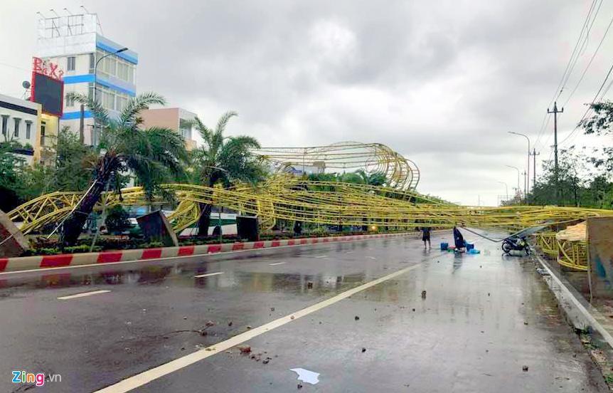 Xác xơ sau bão, Bình Định ban bố tình trạng khẩn cấp - Ảnh 8.
