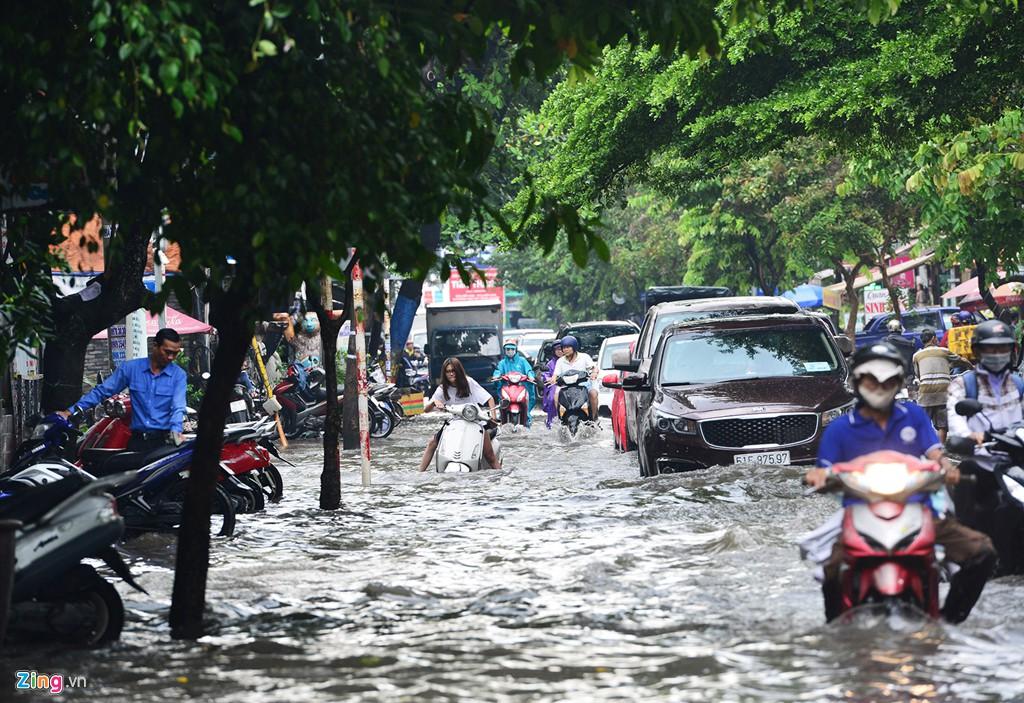 Thảo Điền - khu nhà giàu ngập nước, kẹt xe triền miên - Ảnh 14.