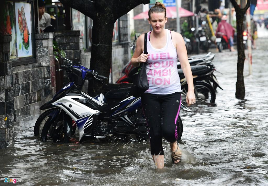 Thảo Điền - khu nhà giàu ngập nước, kẹt xe triền miên - Ảnh 15.
