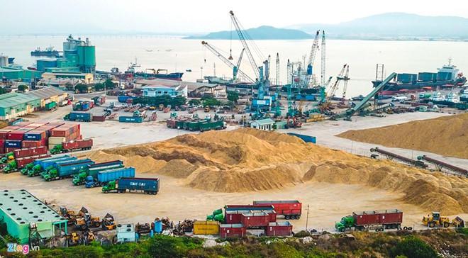 Từ chối nhận chìm 300.000 m3 bùn thải nạo vét xuống biển Quy Nhơn - Ảnh 1.