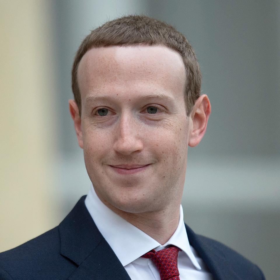 Mark Zuckerberg lọt top 400 người giàu nhất nước Mỹ khi chưa đến 40 tuổi  - Ảnh 8.