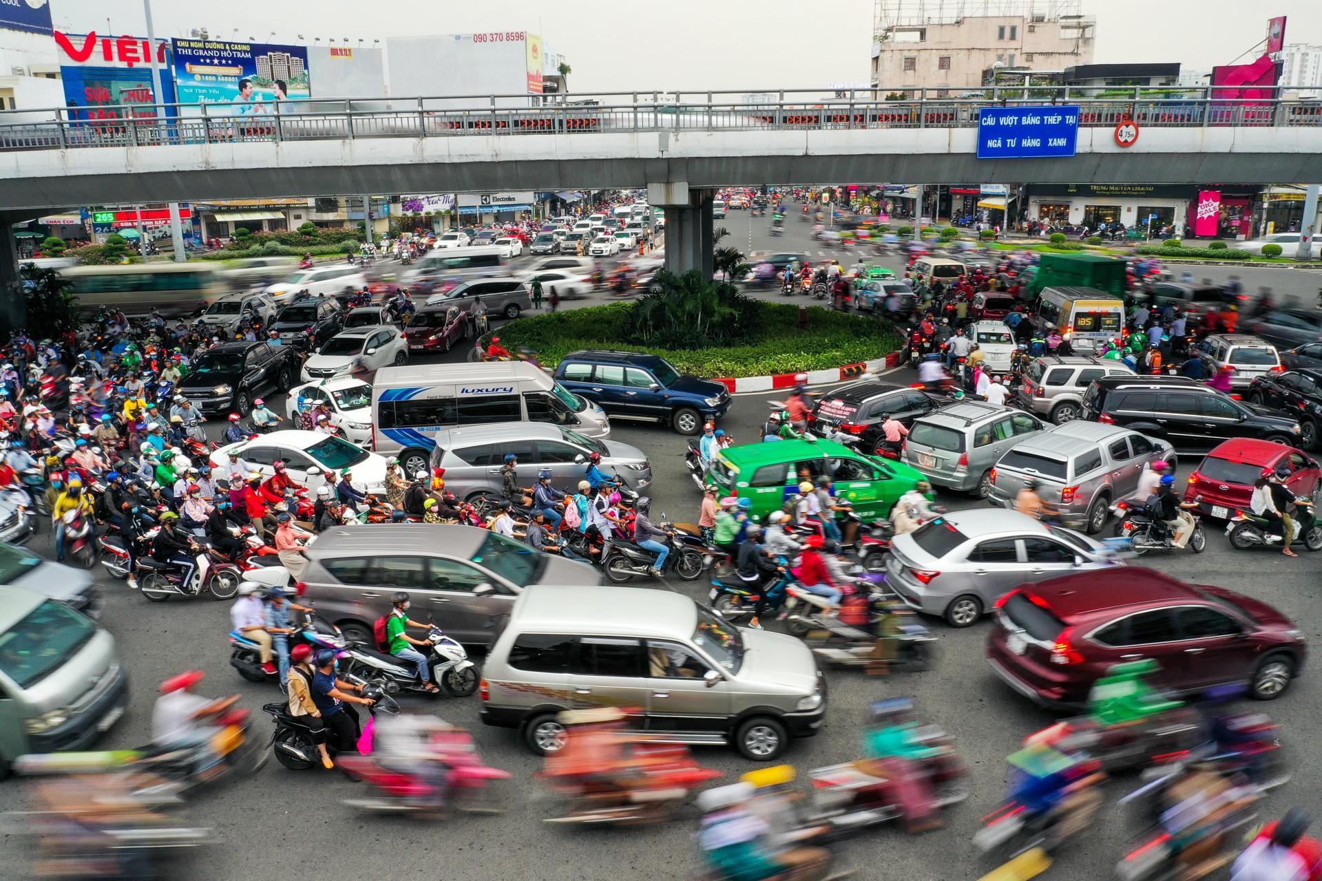 'Con đường dài nhất TP HCM' với gần 600 lần ùn tắc trong 8 tháng - Ảnh 9.