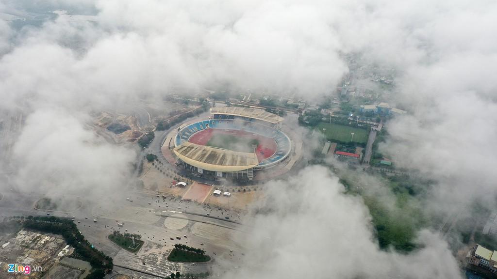 Mây quanh tòa nhà cao nhất Hà Nội sau khi không khí tốt đột biến - Ảnh 4.