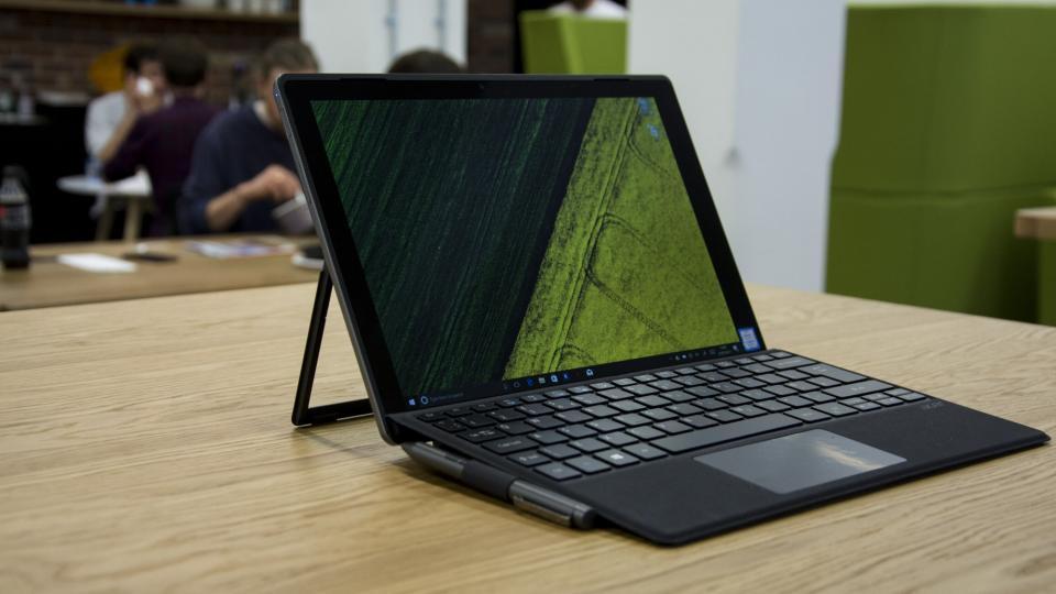 laptop-giam-gia-thang-11-dong-intel-gen-10-tu-11-trieu-dong-2