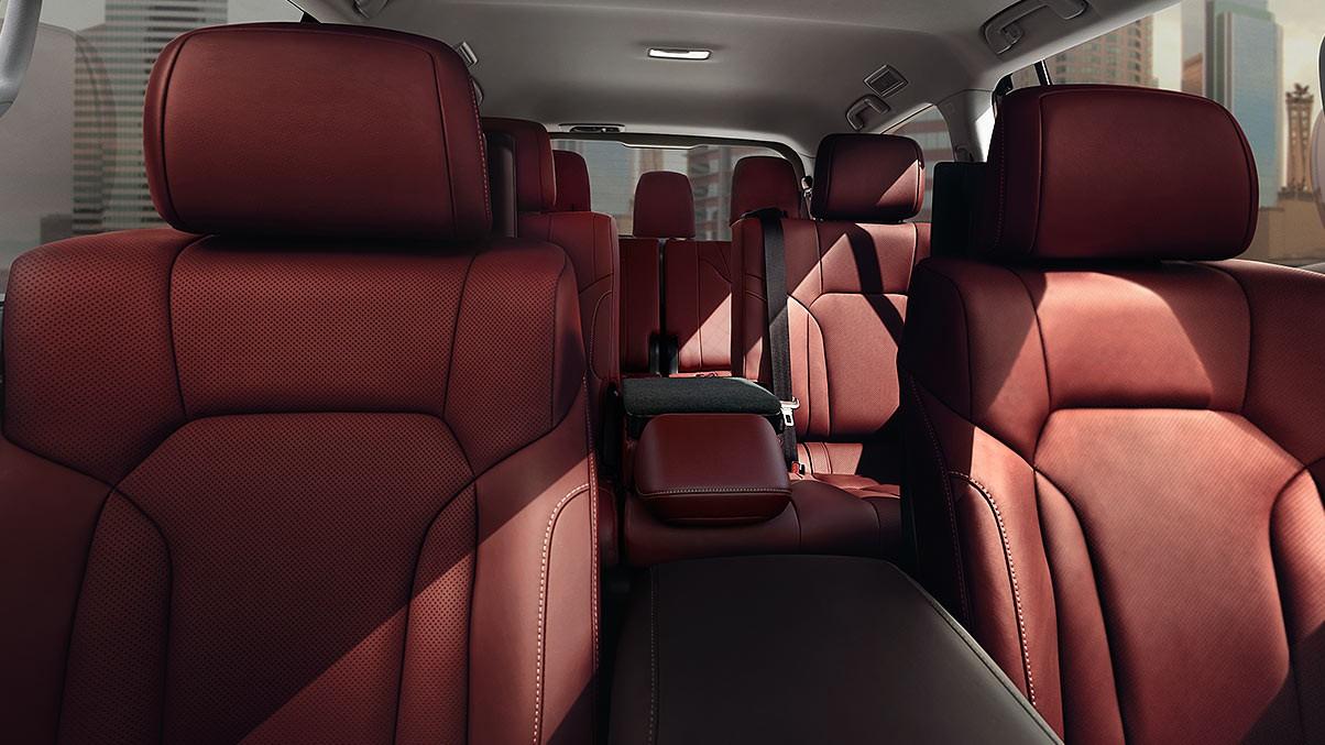 Lexus-LX-570-threerowsseatingforeight-gallery-overlay-1204x677-LEXLXGMY160007