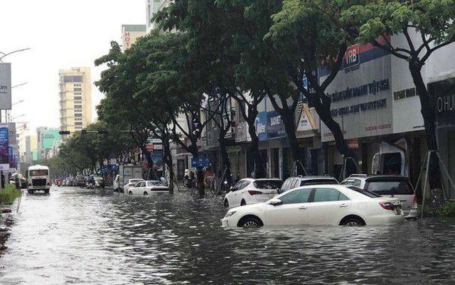 Đà Nẵng cảnh báo các chung cư di tản ô tô, đề phòng ngập nặng - Ảnh 2.