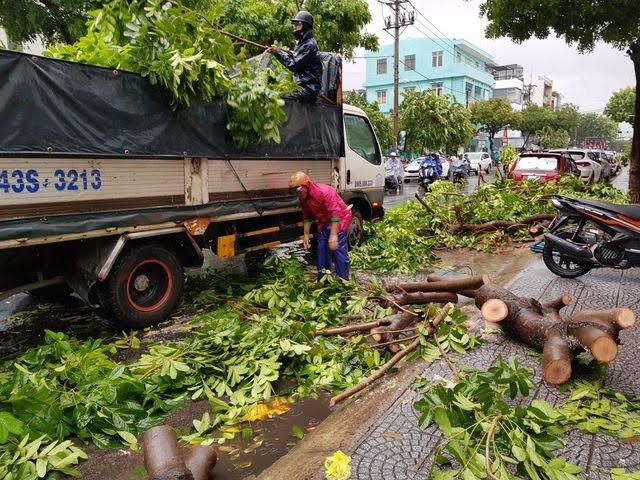 Đà Nẵng cảnh báo các chung cư di tản ô tô, đề phòng ngập nặng - Ảnh 3.