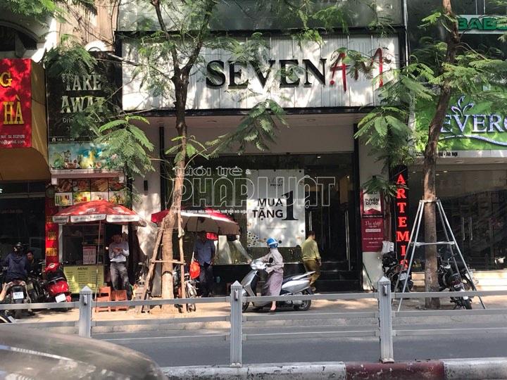 Bài 3: Quản lí thị trường đồng loạt kiểm tra các cửa hàng SEVEN.AM ở Hà Nội - Ảnh 1.