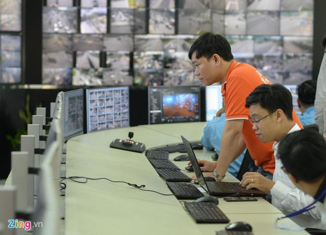 Dùng công nghệ giám sát giao thông, TP HCM vẫn ùn tắc - Ảnh 1.