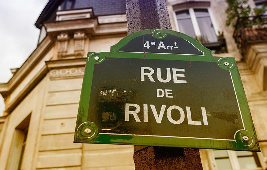 money-changer-Rue-de-Rivoli-paris-860x547