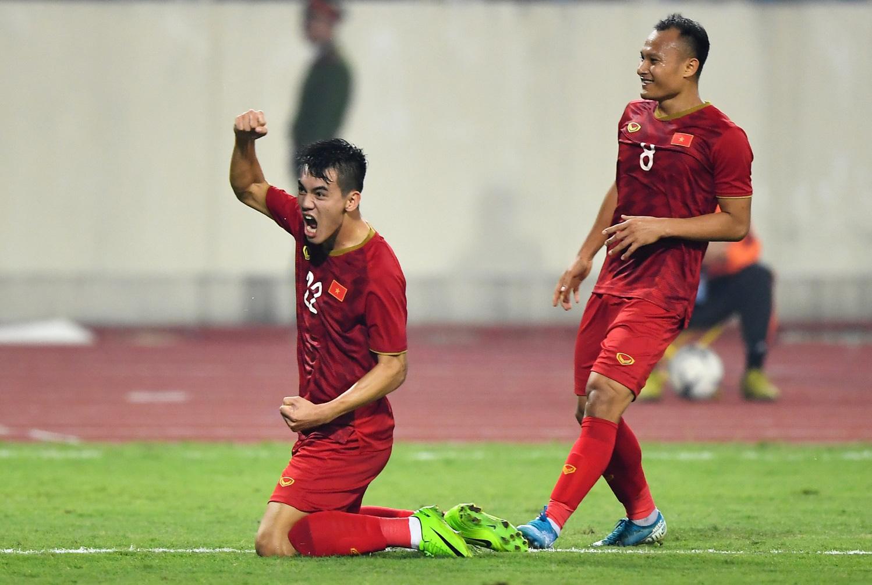 Nhìn từ chiến thắng UAE: Nền tảng thể lực - bệ phóng cho đội tuyển Việt Nam bay cao - Ảnh 1.