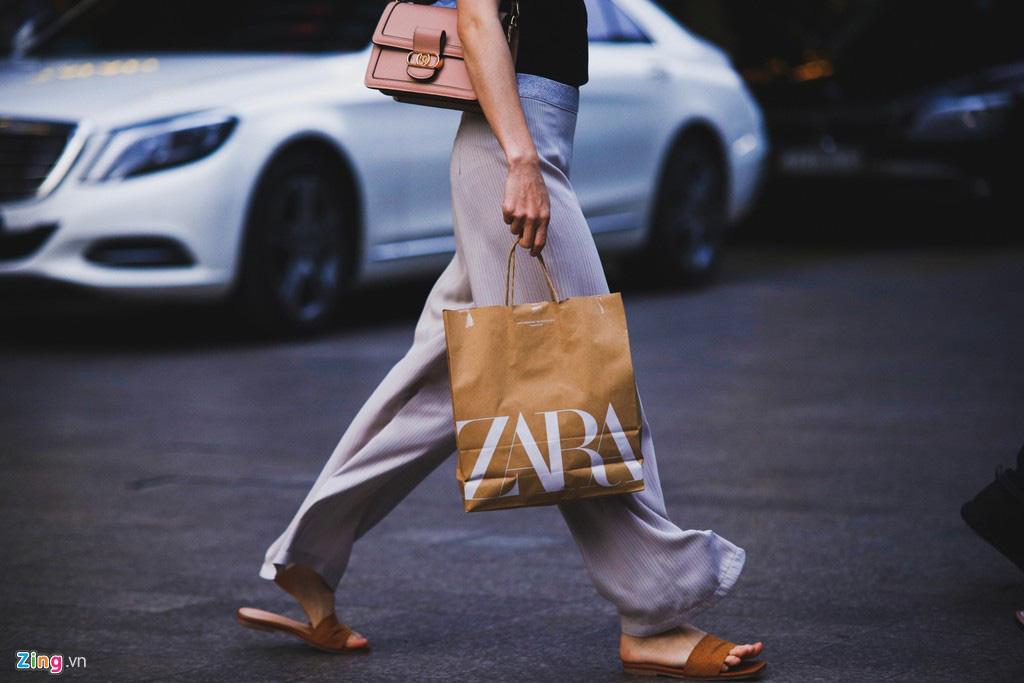 Mất 2 năm để chọn vị trí đối diện Zara, H&M, Uniqlo được lợi gì? - Ảnh 3.