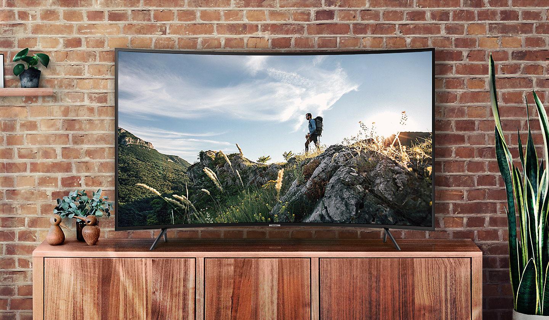 Tivi-giam-gia-tuan-nay-Smart-Tivi-Full-HD-va-4K-giam-gia-manh-cho-hinh-thuc-mua-online 1
