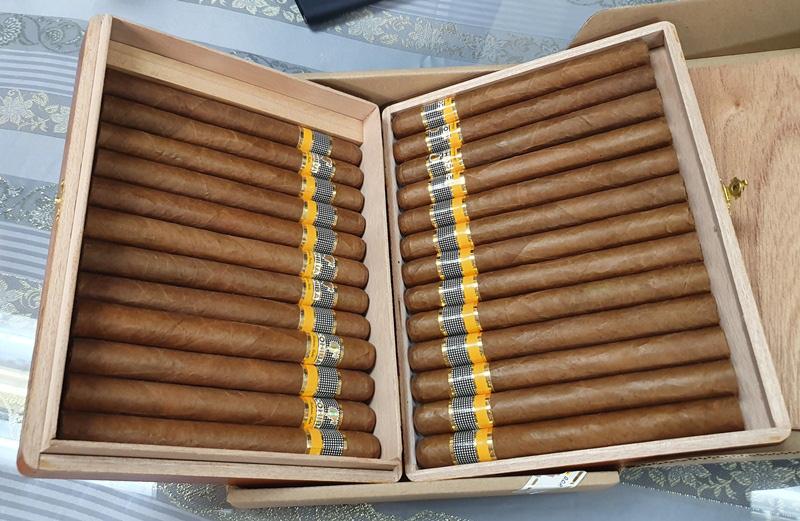 hải quan bắt lô xì gà gần 2_500 điếu