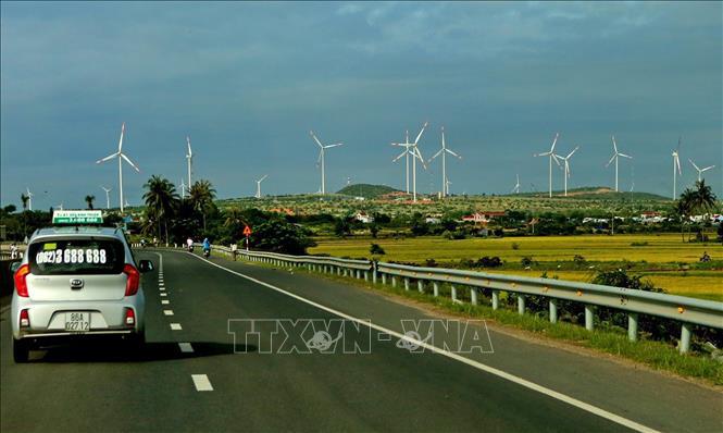 Truyền thông quốc tế ca ngợi Việt Nam là 'người hùng điện gió' mới - Ảnh 1.