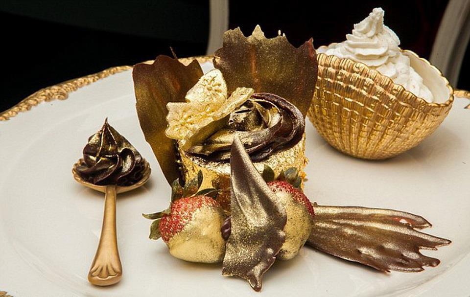 6 món ăn phủ vàng dành cho giới nhà giàu ở Dubai - Ảnh 2.