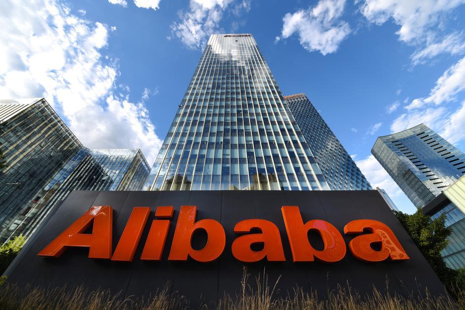 Alibaba-day-manh-thi-truong-chung-khoan-o-Hong-Kong-1