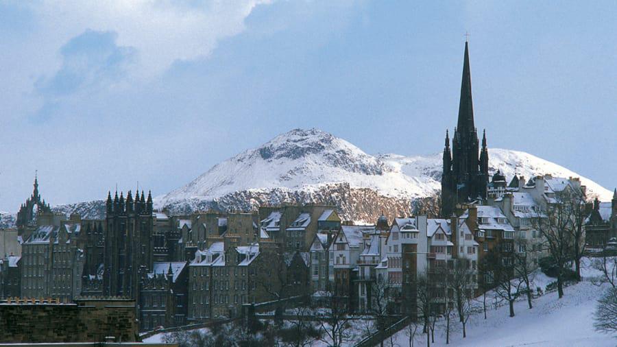 10 thành phố đẹp nhất vào mùa đông cho khách du lịch - Ảnh 10.