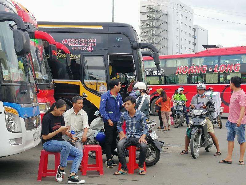 Bến xe Miền Đông chính thức bán vé Tết - Ảnh 1.