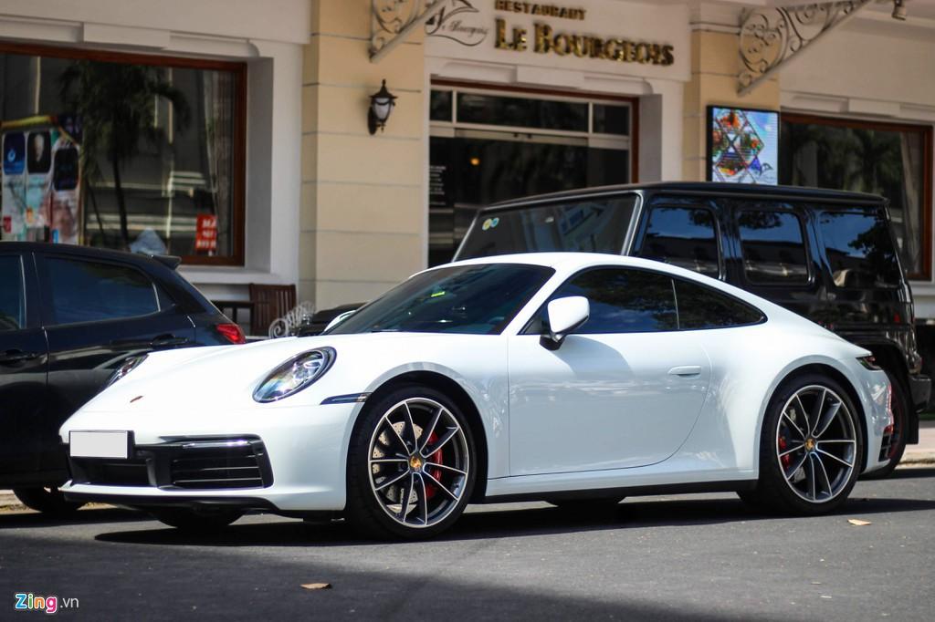 Vợ chồng Cường Đô La tậu Porsche 911 Carrera S giá gần 8 tỉ đồng - Ảnh 1.