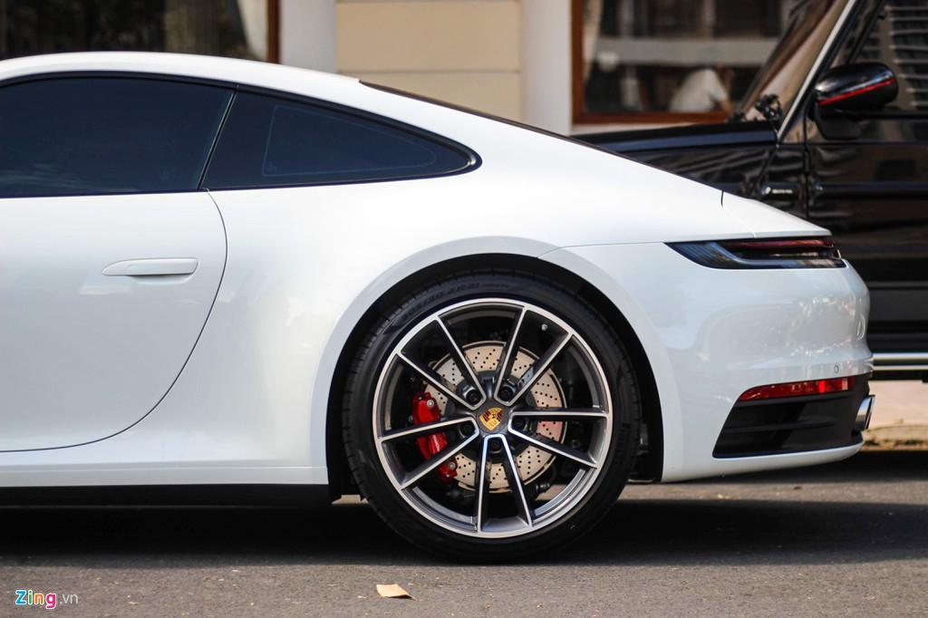 Vợ chồng Cường Đô La tậu Porsche 911 Carrera S giá gần 8 tỉ đồng - Ảnh 10.