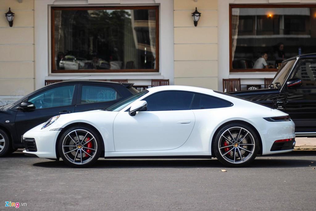 Vợ chồng Cường Đô La tậu Porsche 911 Carrera S giá gần 8 tỉ đồng - Ảnh 2.