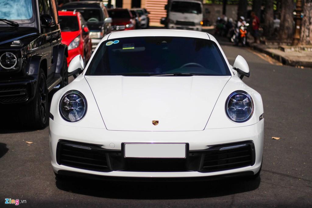 Vợ chồng Cường Đô La tậu Porsche 911 Carrera S giá gần 8 tỉ đồng - Ảnh 3.