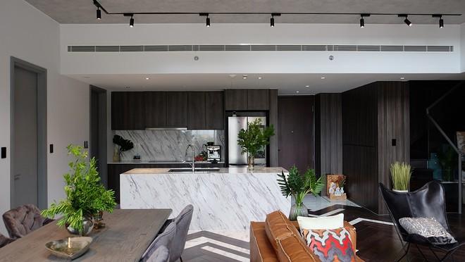 Bên trong căn hộ duplex độc nhất tại khu nhà giàu TP HCM - Ảnh 4.