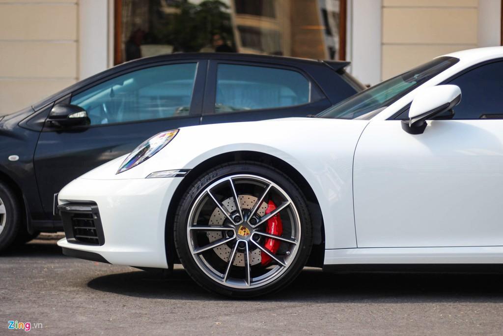 Vợ chồng Cường Đô La tậu Porsche 911 Carrera S giá gần 8 tỉ đồng - Ảnh 5.