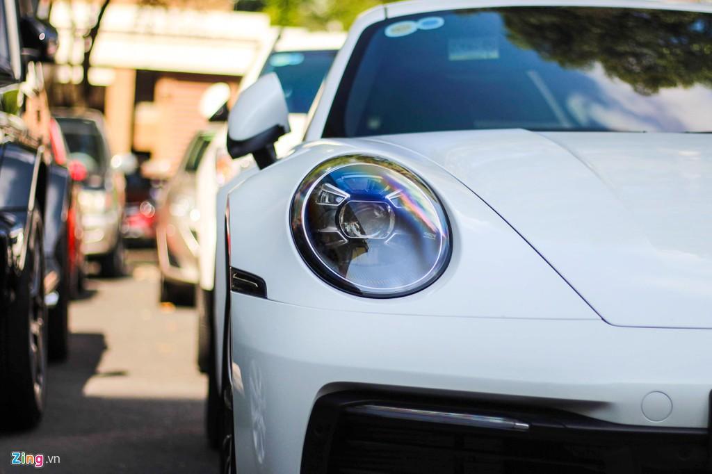 Vợ chồng Cường Đô La tậu Porsche 911 Carrera S giá gần 8 tỉ đồng - Ảnh 6.