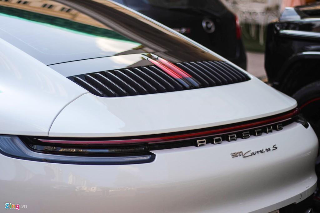 Vợ chồng Cường Đô La tậu Porsche 911 Carrera S giá gần 8 tỉ đồng - Ảnh 7.