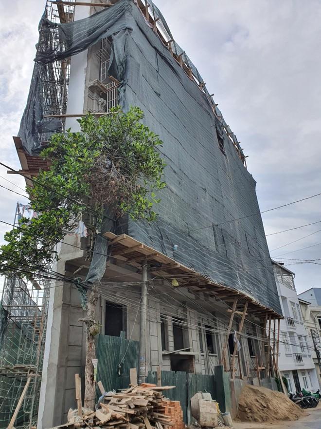 Yêu cầu tháo dỡ công trình khách sạn sai phép tại trung tâm Đà Lạt - Ảnh 2.