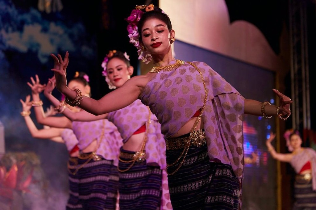 Dem huyen ao trong le hoi den troi hut khach o Thai Lan hinh anh 21