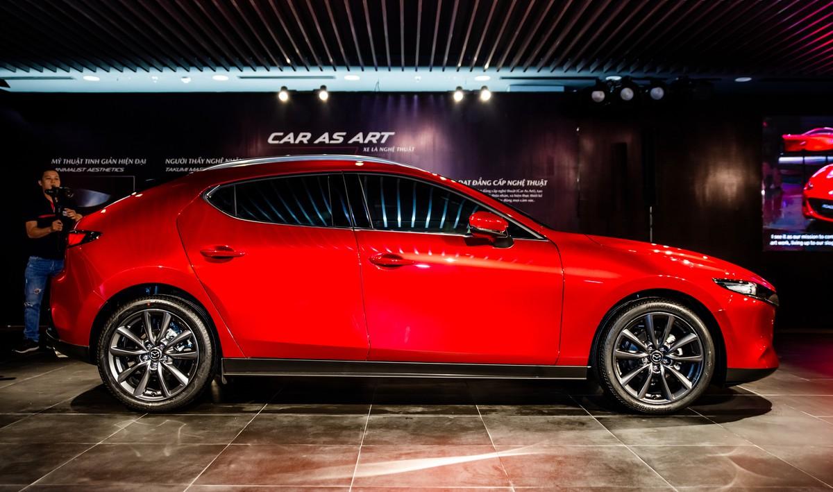 Mazda3-4-8514-1572861089-8849-1572861319_1200x0
