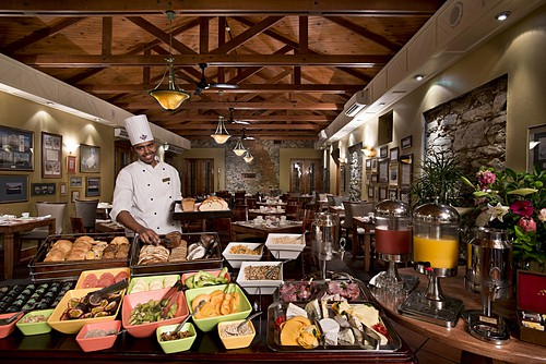 Lí do khách sạn luôn có buffet sáng miễn phí - Ảnh 2.