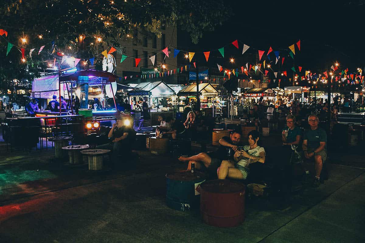 ploen-ruedee-night-market2