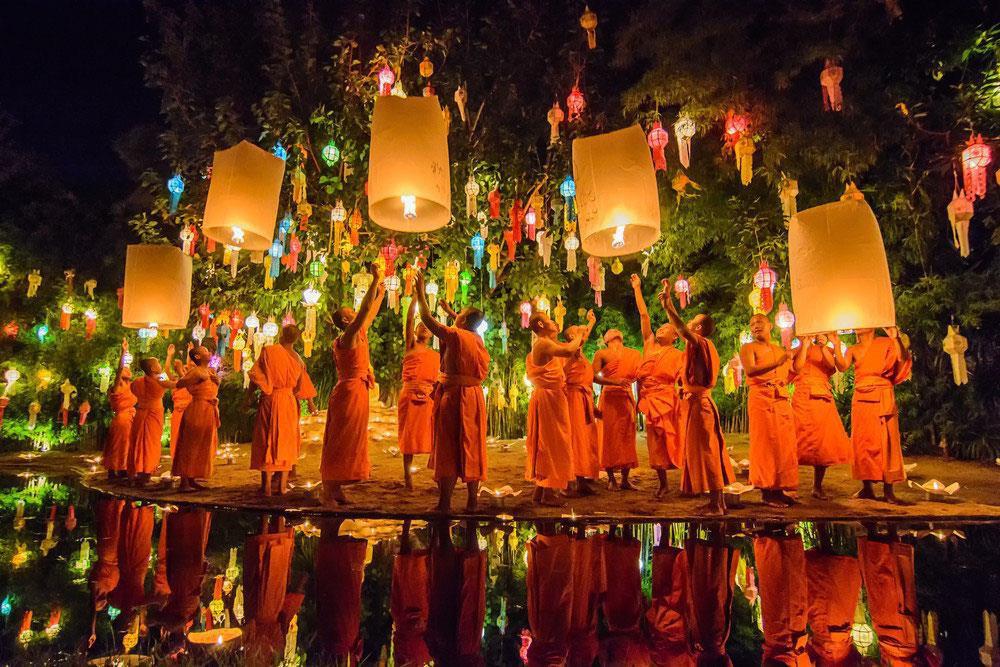 le hoi tha den troi tai Chiang Mai