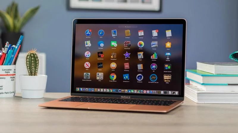 Laptop-giam-gia-thang-12-Macbook-doi-2019-co-nhieu-uu-dai-hon-laptop-Windows 1