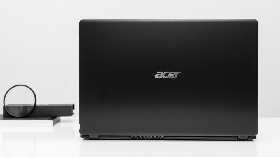 Laptop-giam-gia-thang-12-Macbook-doi-2019-co-nhieu-uu-dai-hon-laptop-Windows 2