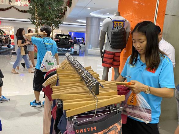 Trung tam mua sam Philippines (2)